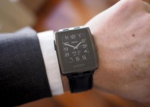 pebble_steel_black_leather_1